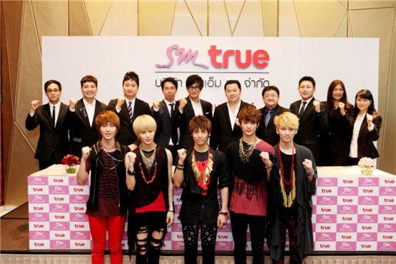 """355425930 """"SM"""" รุกหนัก จับมือ """"True"""" พร้อมขยายตลาดเพลงสู่ประเทศไทย"""